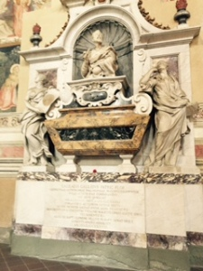 Vast memorial to Da Vinci in Santa Croce church