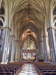 C18th addition of the Nave at same height as the Choir to produce the effect of a Mediaeval