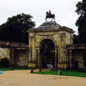 Wilton House Front gate with Marcus Aurelius on top (original statue in the Capitoline Museum in Rome