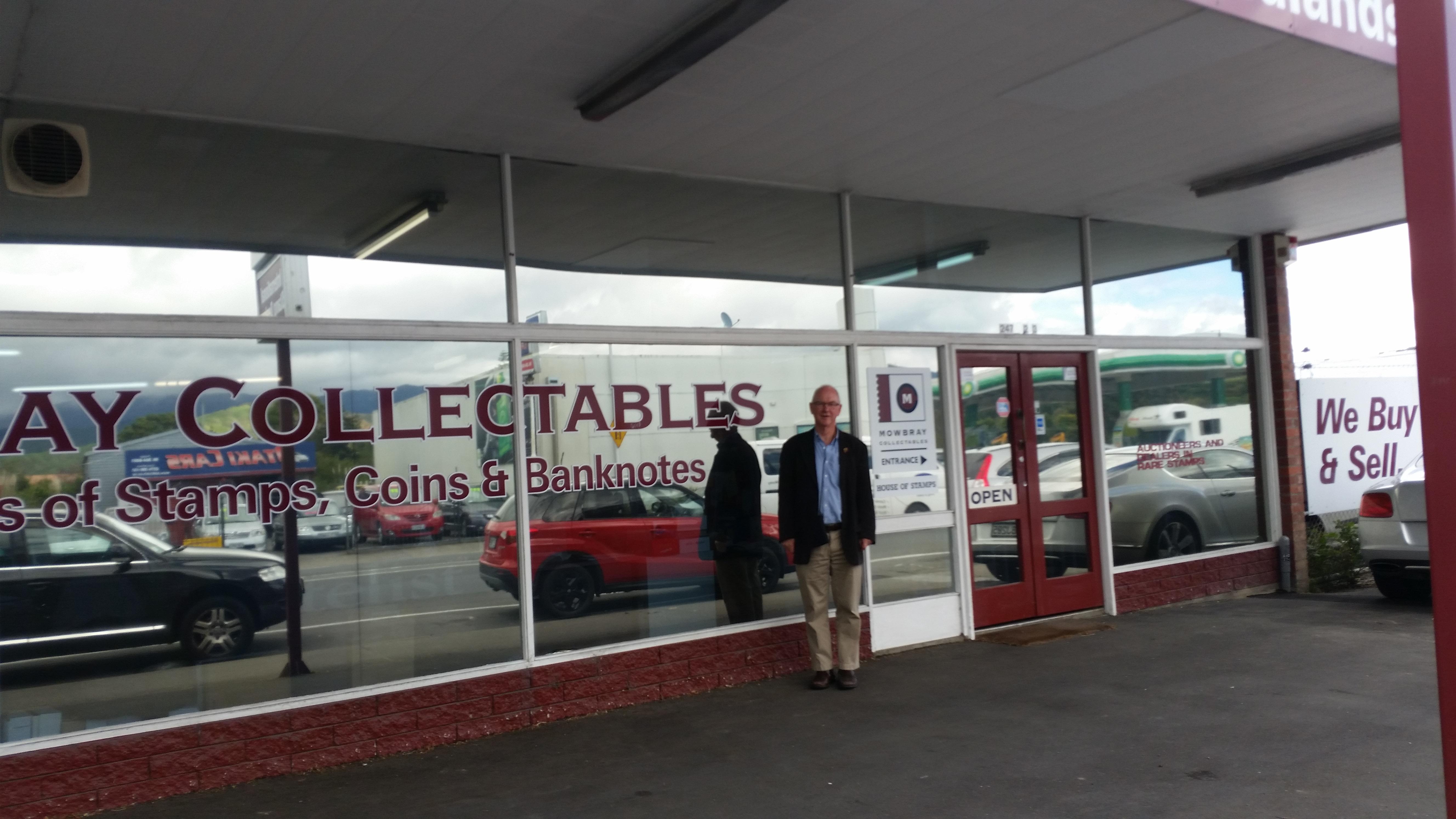 NZ Richard at Mowbrays Stamp Dealers Head office in Otika