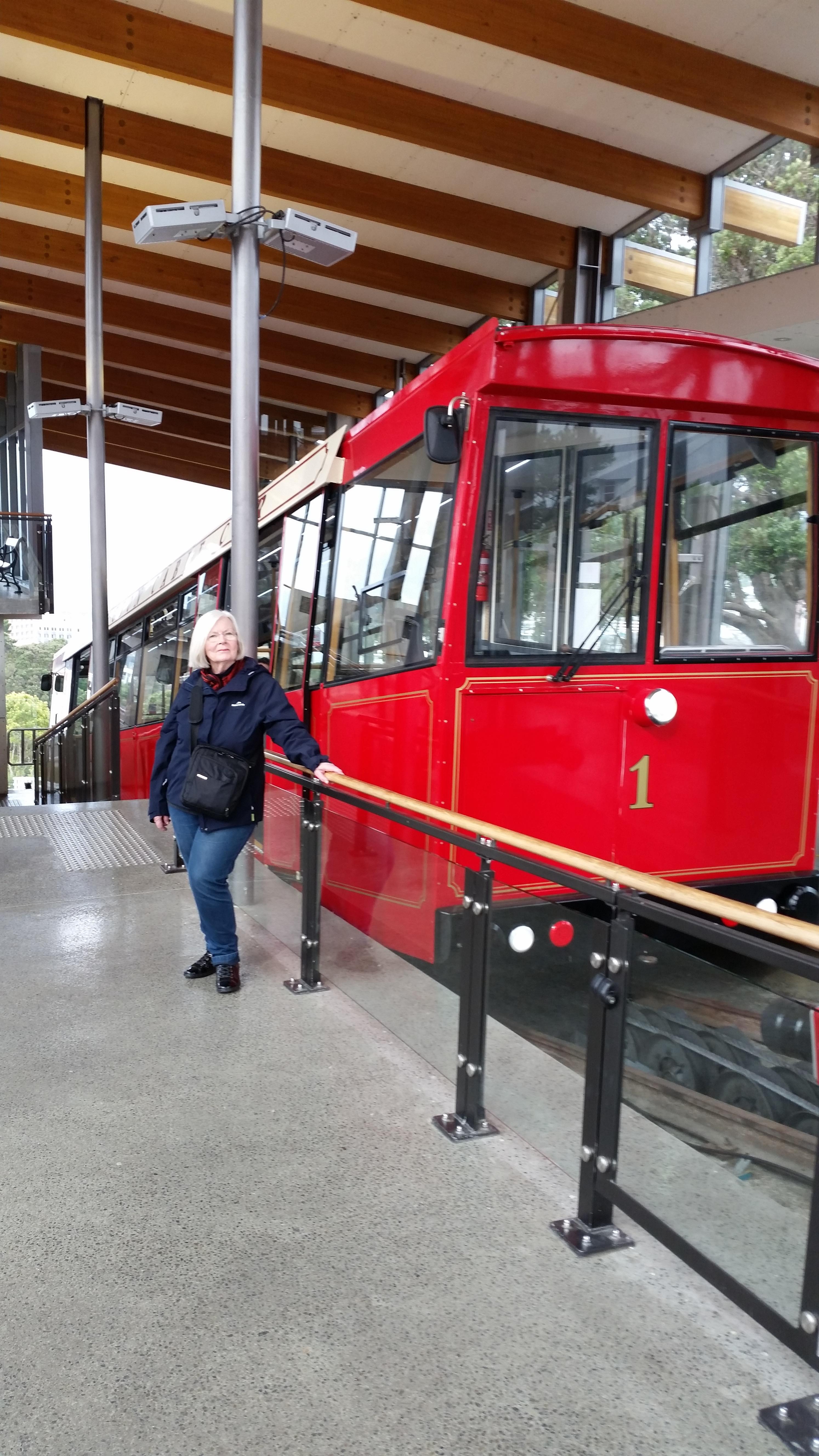 NZ Wellington cable car.jpg