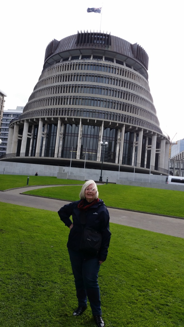 "NZ""The Beehive"" Wellington's Parliamentary building.jpg"